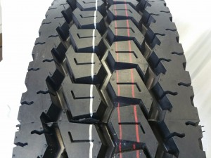 Truck Tires for Sale at Wholesale Prices 11R22.5 16 PLY DRIVE TIRES