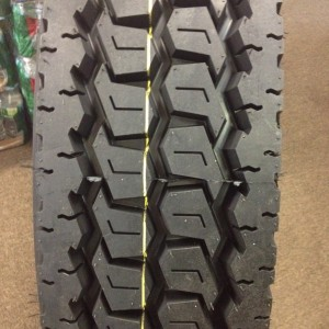 11R24.5 660 Drive Tires