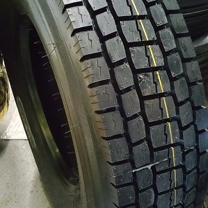 12R22.5 Road Warrior Drive Tires 18 Ply