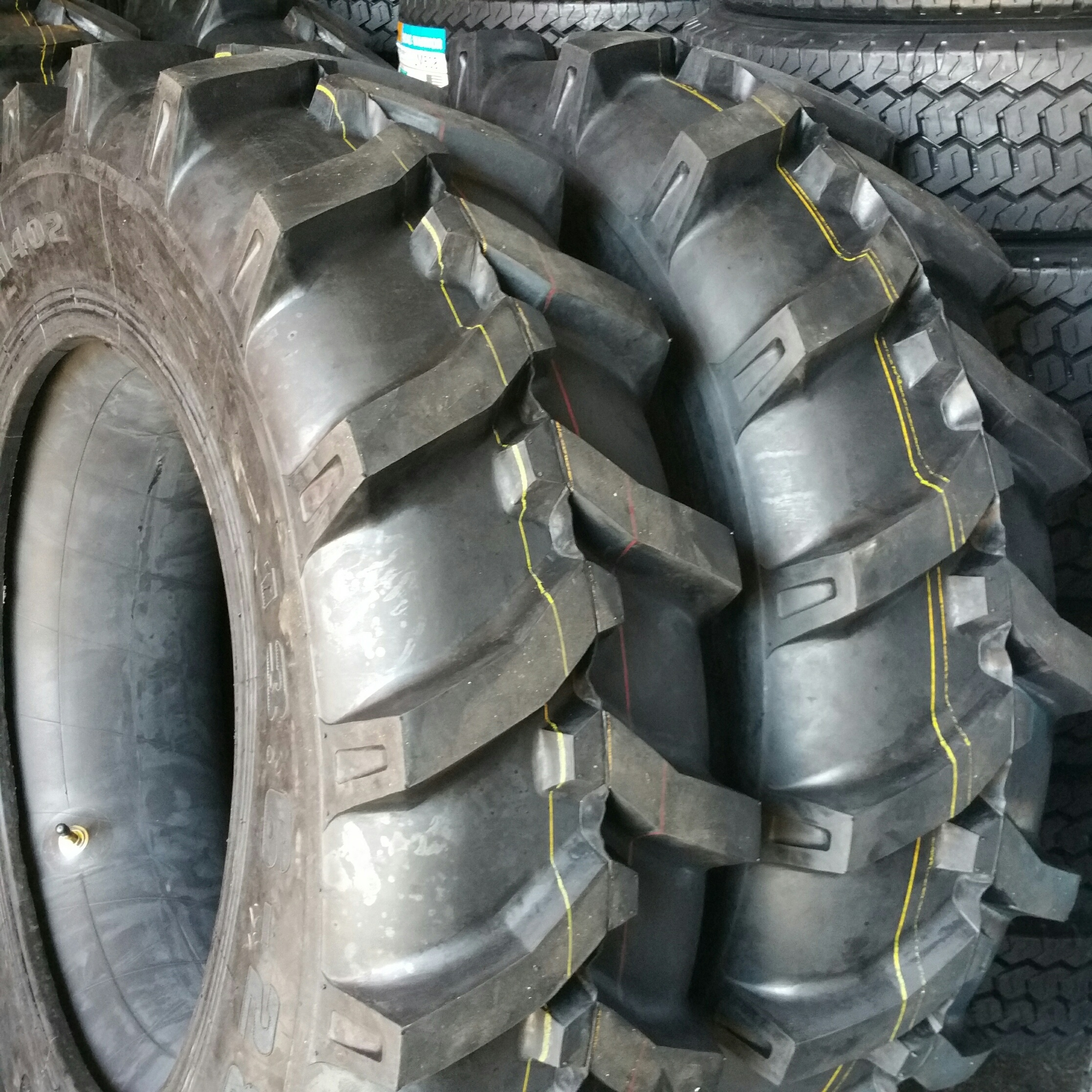 Truck Tires for Sale at Wholesale Prices 15.5x38
